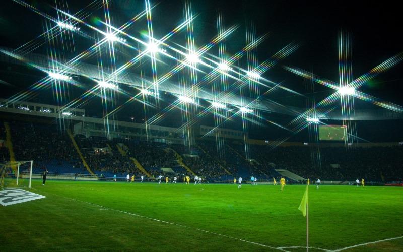 прожектор для стадиона фото жук объедает